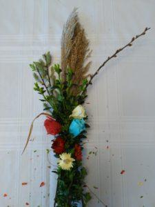 Palma wielkanocna na Niedzielę Palmową DIYbibuła kocanki ogrodowe bukszpan
