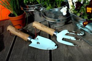 zestaw narzędzi ręcznych Semini z powlekanego metalu z drewnianymi rękojeściami Moulyon Mill