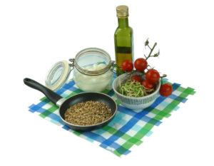 kiełki słonecznika, oliwa, pomidorki, ser mozarella, prażone ziarna słonecznika