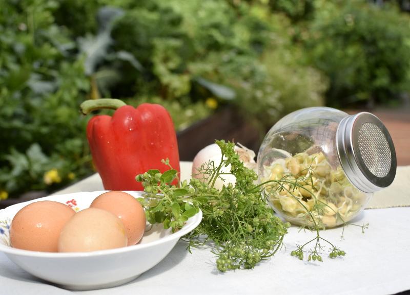 składniki na danie z kiełków groszku cukrowego