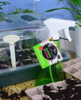 Spryskiwacz ręczny o roślin i rozsady aranżacja