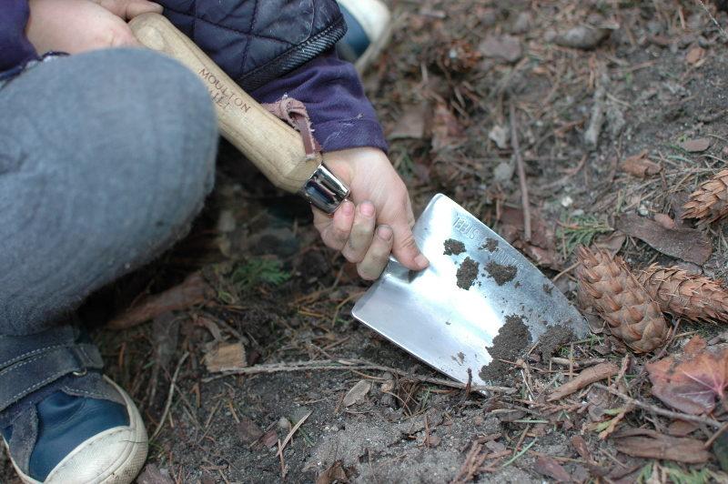 łopatka ogrodowa ręczna duża ze stali nierdzewnej niespawana