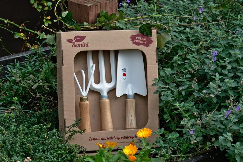 Narzędzia do ogrodu w pudełku