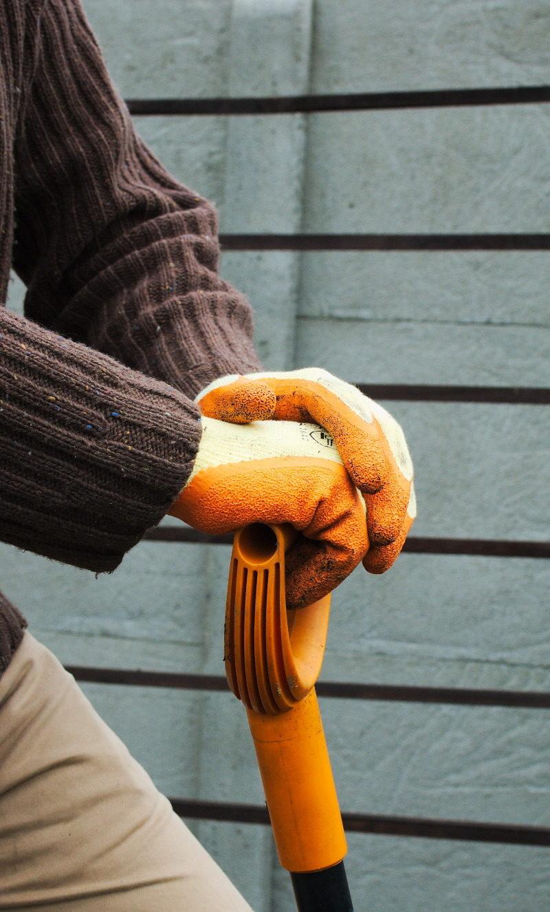 Rękawice ogrodowe lateksowe nadają się do ciężkich prac takich jak kopanie.