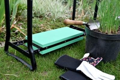 krzesło ogrodowe klęcznik ogrodowy ławka od dołu