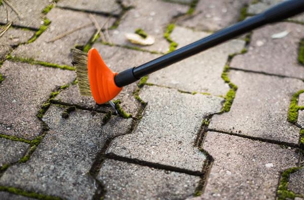czyścik do fug w kostce betonowej