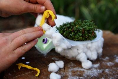 Baranek z rzeżuchy DIY do zrobienia na Wielkanoc