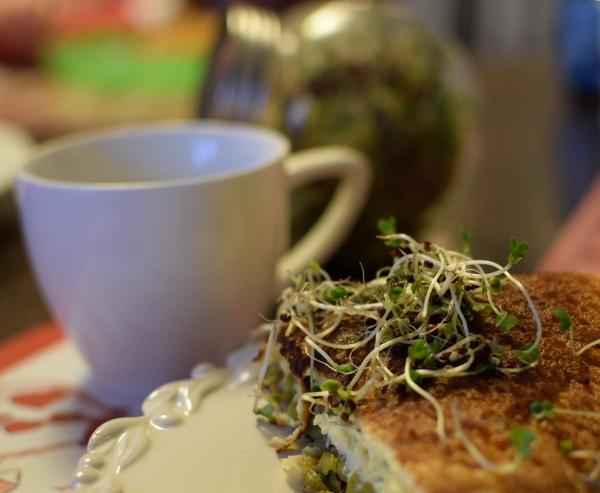 Omlet z kiełkami brokuła