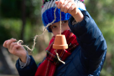 Dzwonek z doniczki do dokarmiania ptaków
