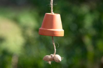 Jak zrobić dzwonek do dokarmiania ptaków