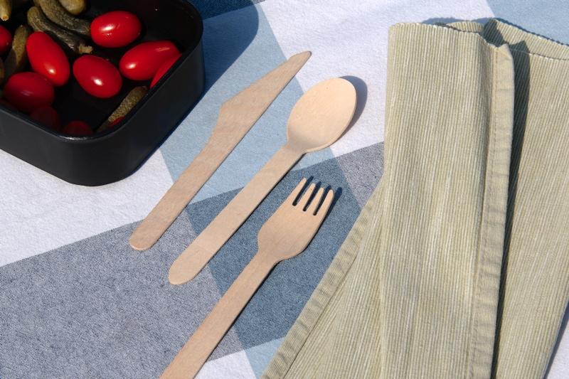 Widelce i noże z drewna
