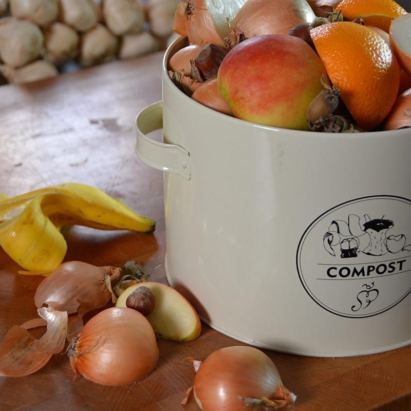 Pojemnik na kompost w kuchni z filtrem węglowym 2