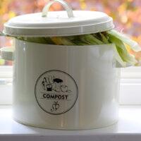 Pojemnik na kompost w kuchni z filtrem węglowym