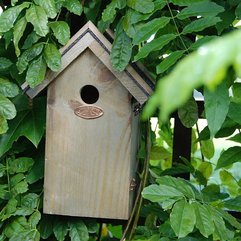 Budka dla ptaków z daszkiem z papy 3